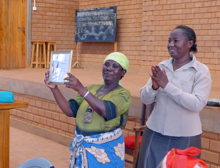 Nyumbani Shusus get the Tuko Pamoja certificate